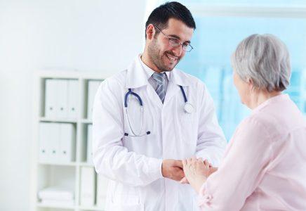 Kiedy warto kupić ubezpieczenie zdrowotne międzynarodowe długoterminowe?