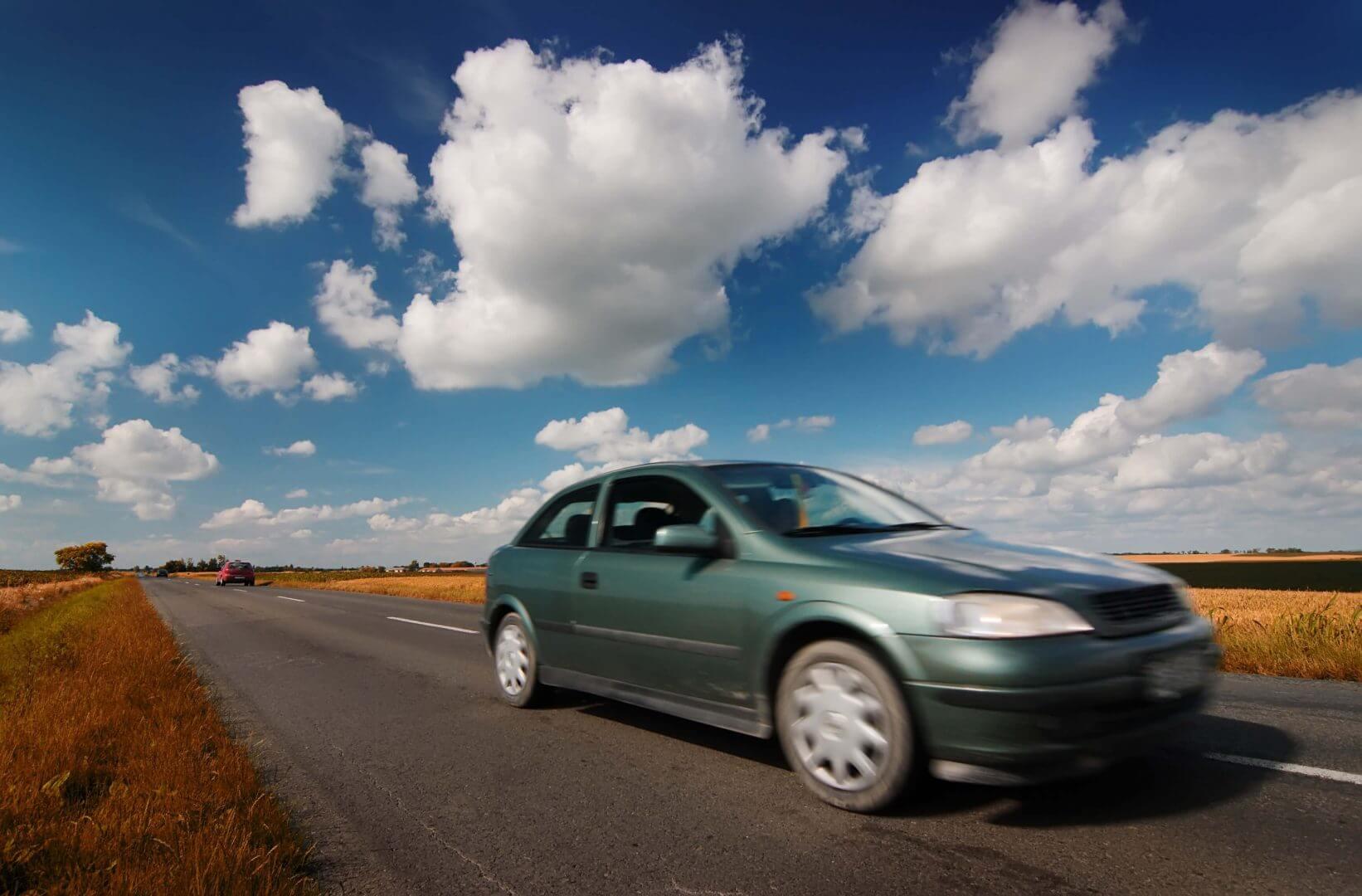 AC dla starego samochodu – kiedy tak, a kiedy nie?