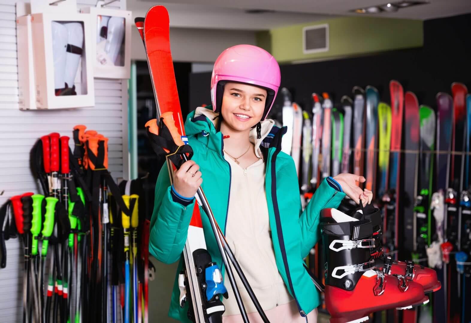 Jakie narty? Zadbaj o odpowiedni stój i sprzęt!