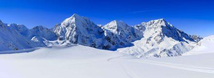 Narty w Alpach – jak przygotować się do zimowego wyjazdu?