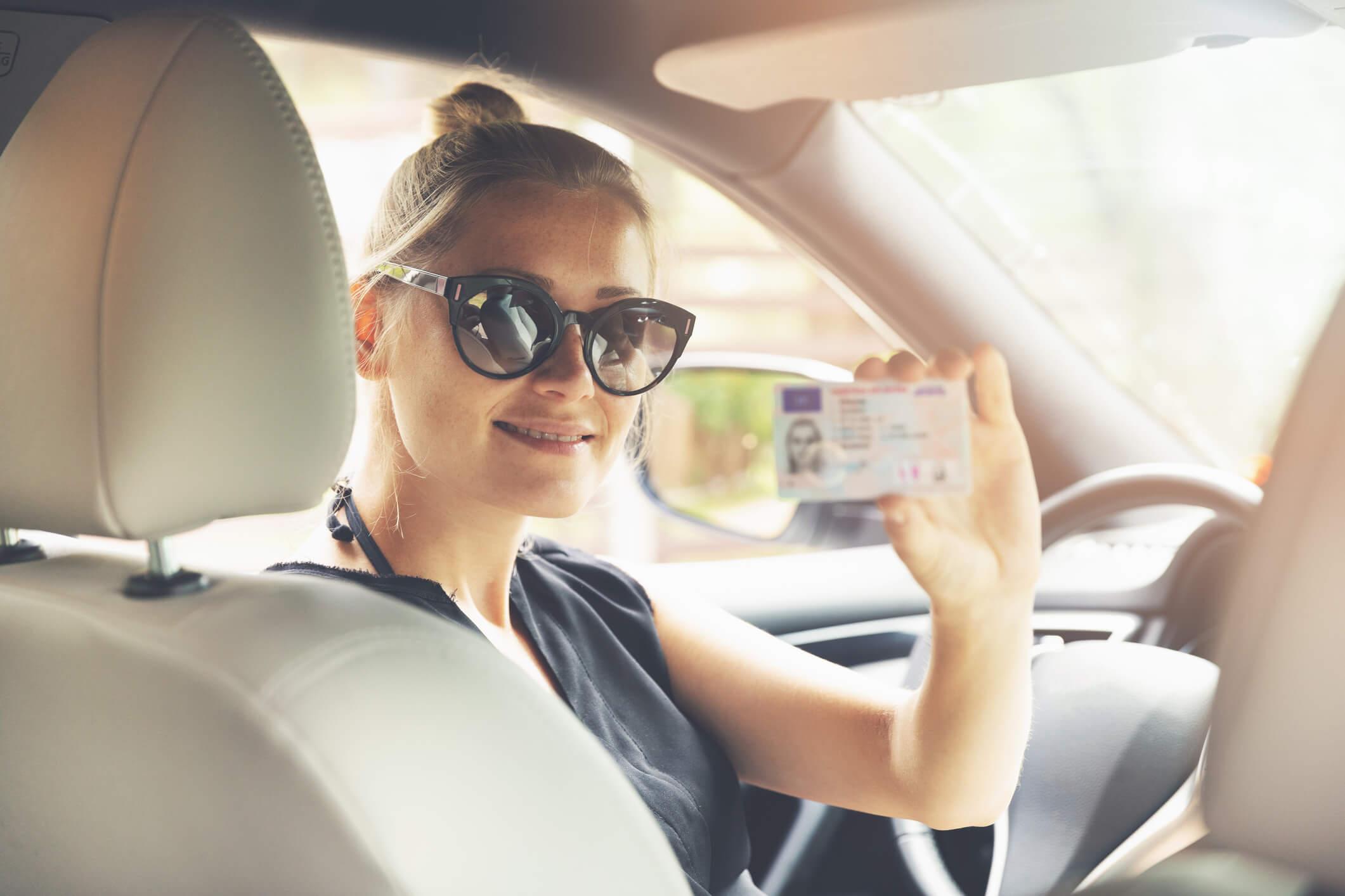 Ile się czeka na prawo jazdy