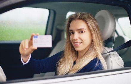 Ile się czeka na prawo jazdy? Procedury wydania