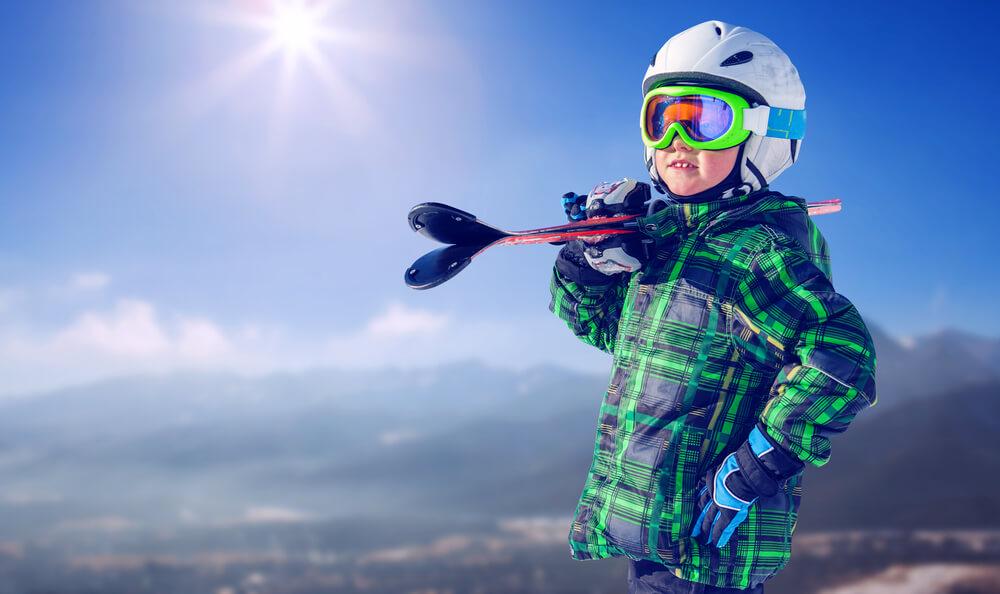 Ubezpieczenie narciarskie dla dziecka – jak je wybrać?