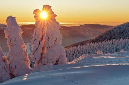 Wyjazd na narty w marcu – jakie kierunki wziąć pod uwagę?