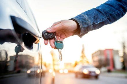Zgubione dokumenty samochodu – karta pojazdu i ubezpieczenie