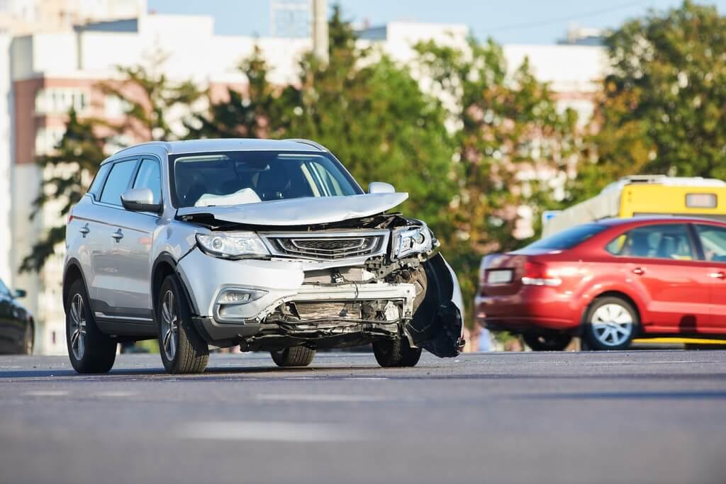 Cesja ubezpieczenia samochodu – 5 rzeczy, które musisz o niej wiedzieć