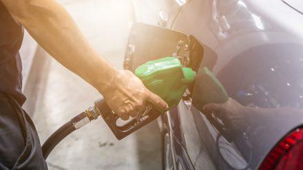 Ceny paliw w Polsce i w Europie – jak kształtują się trendy?