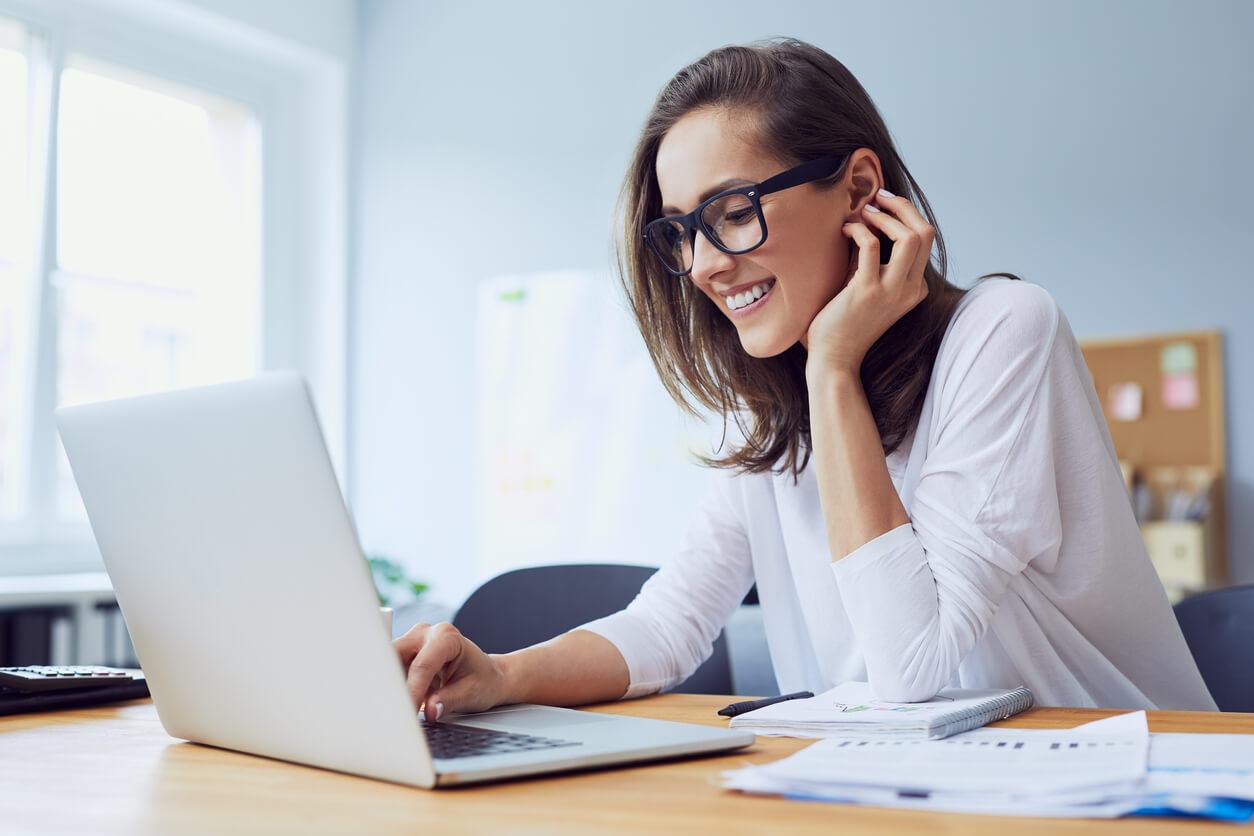 Jak znaleźć korzystny pakiet ubezpieczeń komunikacyjnych?