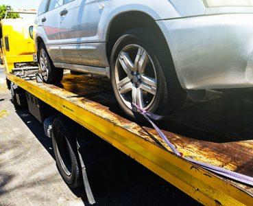 Holowanie samochodu za granicą – jak się ubezpieczyć?