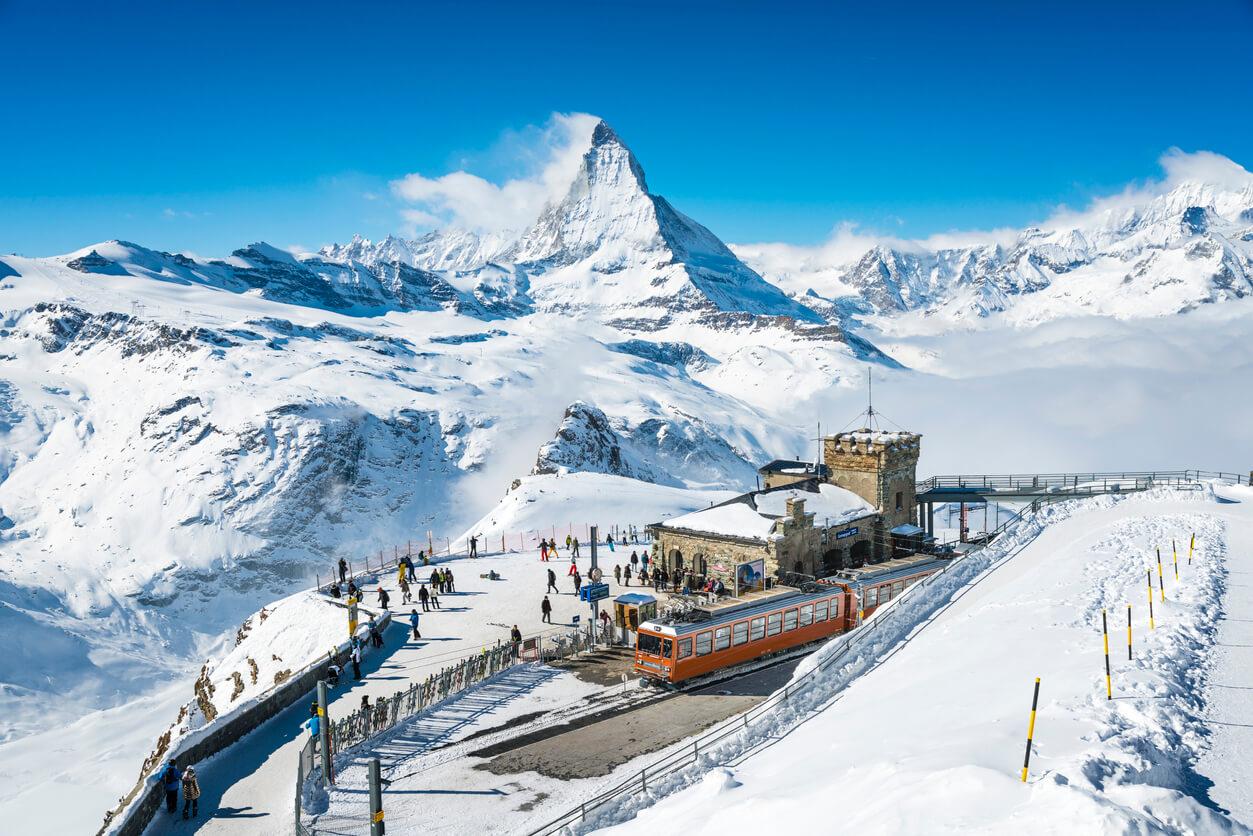 Narty w Szwajcarii w 2021 a COVID-19