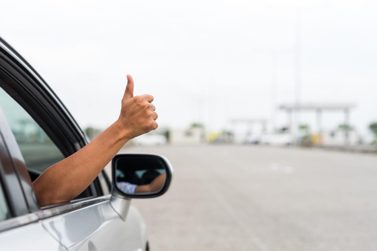 Od kogo można uzyskać odszkodowanie za uszkodzenie pojazdu przez zły stan nawierzchni?