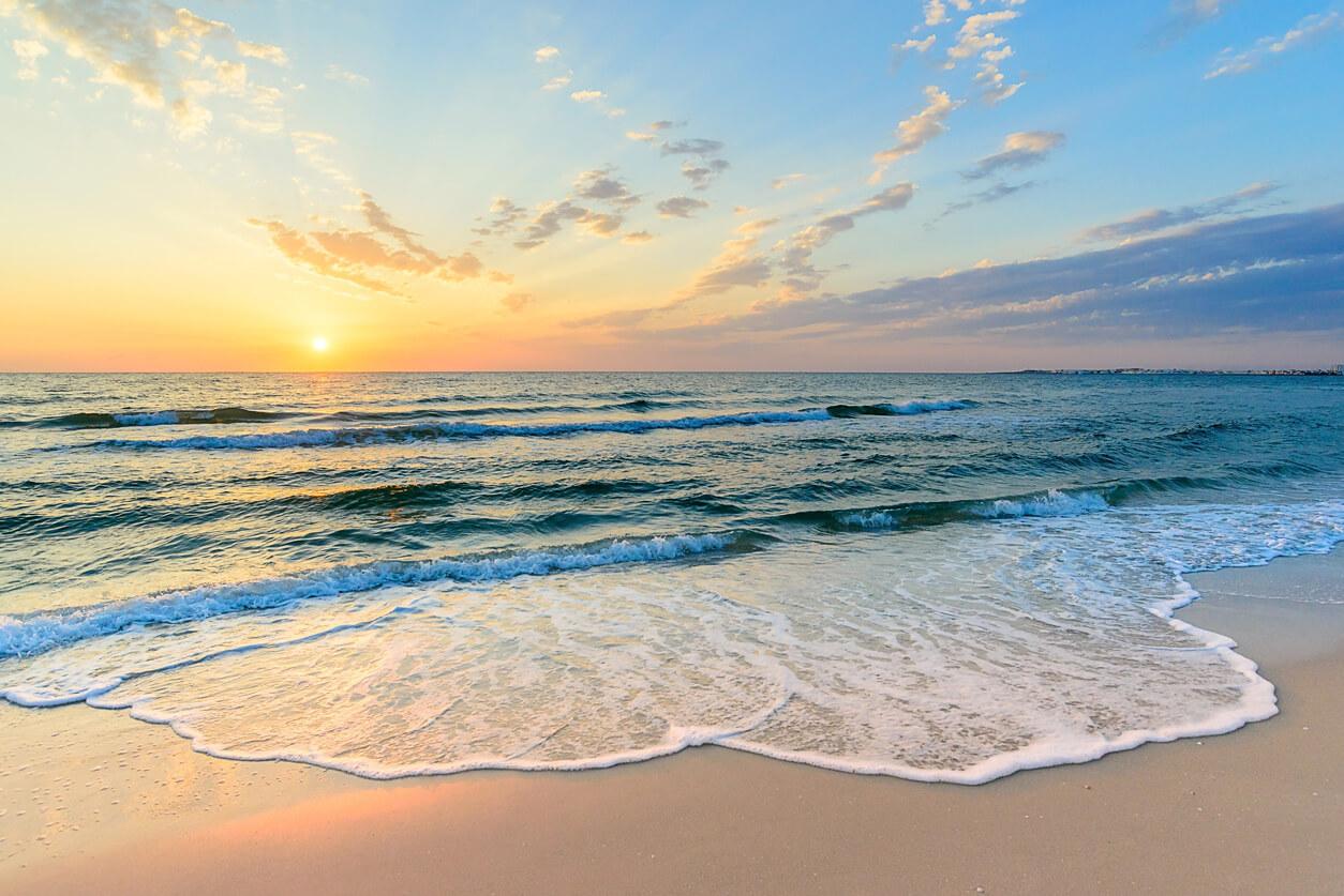 Wakacje nad morzem – czy warto się ubezpieczyć?