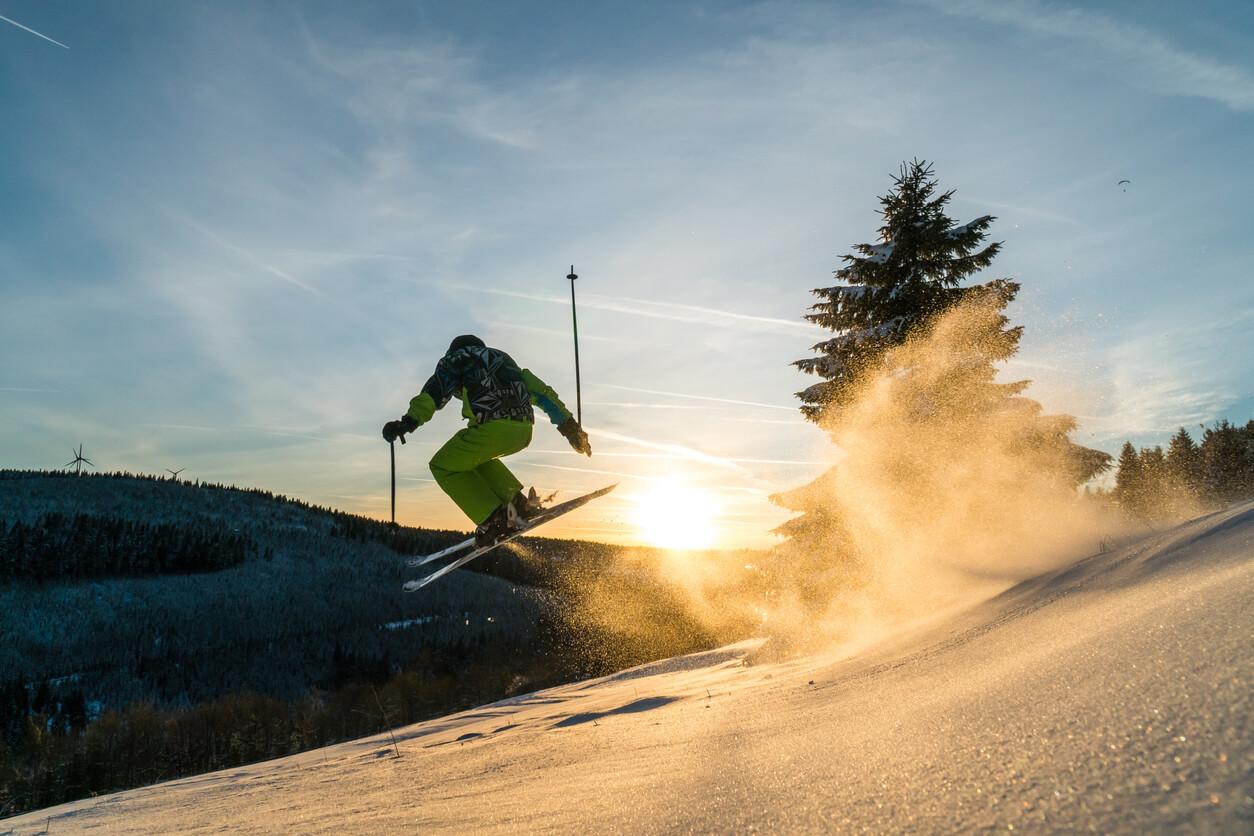Jakie dodatki do ubezpieczenia na narty wybrać?