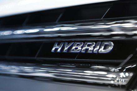 Samochód hybrydowy – wyjaśniamy, czy jest droższy w utrzymaniu