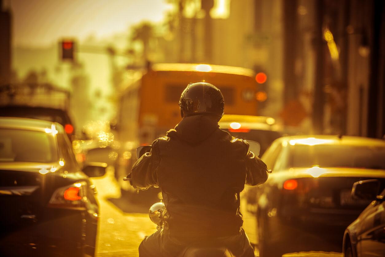 Ubezpieczenie OC samochodu a motocykla – czy to dwie inne polisy?