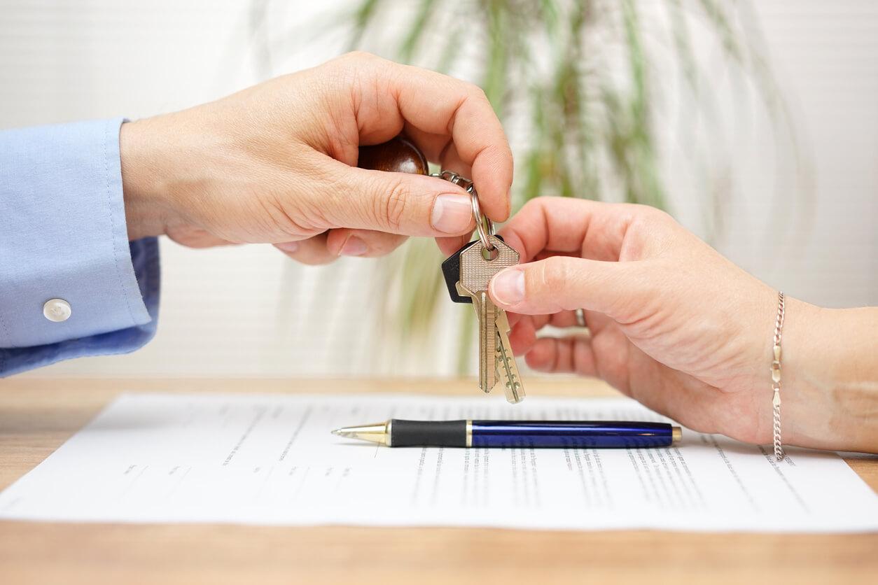 Jak wartość nieruchomości wpływa na polisę ubezpieczeniową?