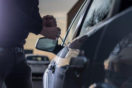 Okradziono Twój samochód? Sprawdź, kiedy przysługuje Ci ubezpieczenie na rzeczy osobiste!
