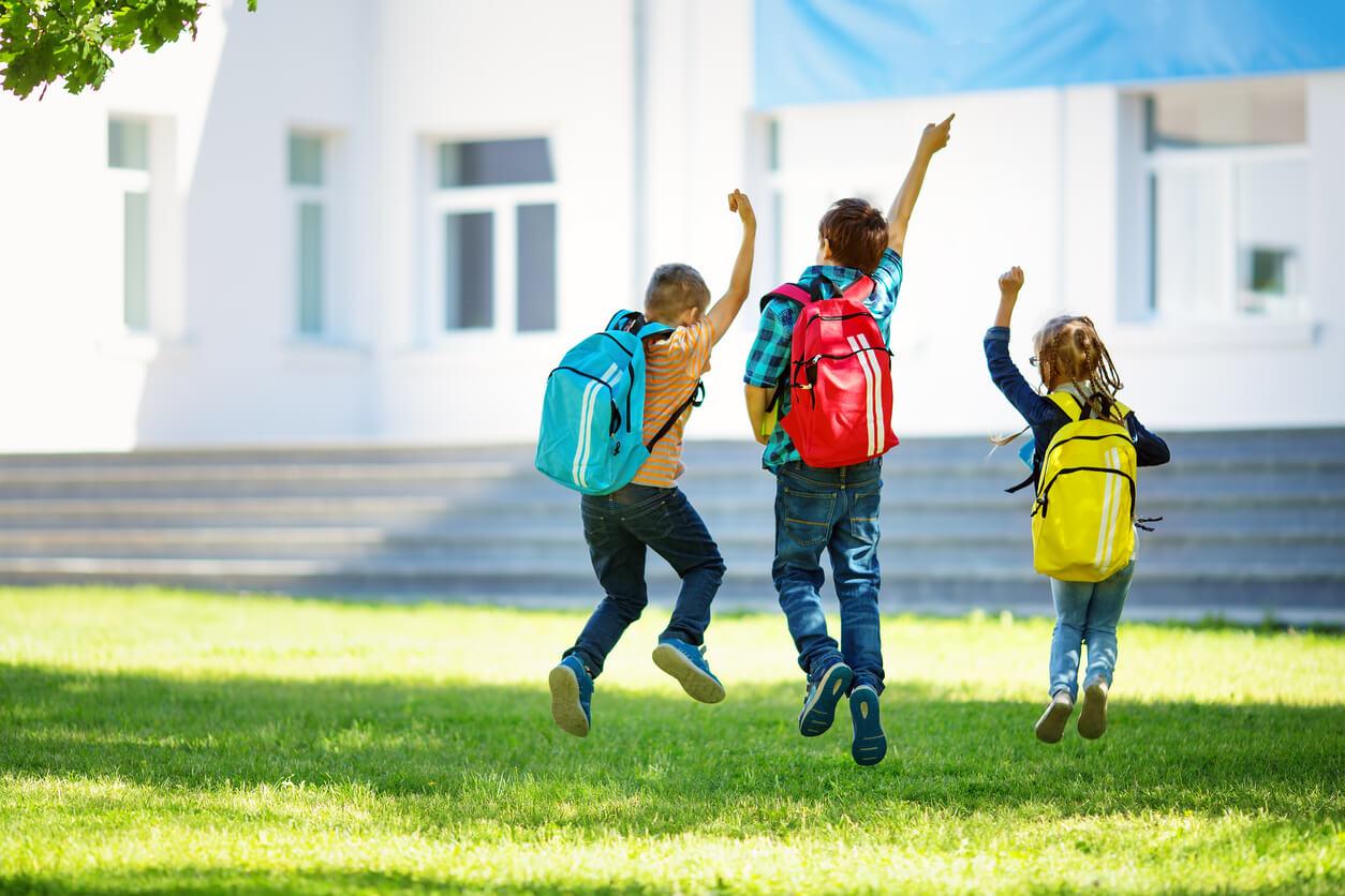 Ubezpieczenie szkolne – czym dokładnie jest ta polisa?