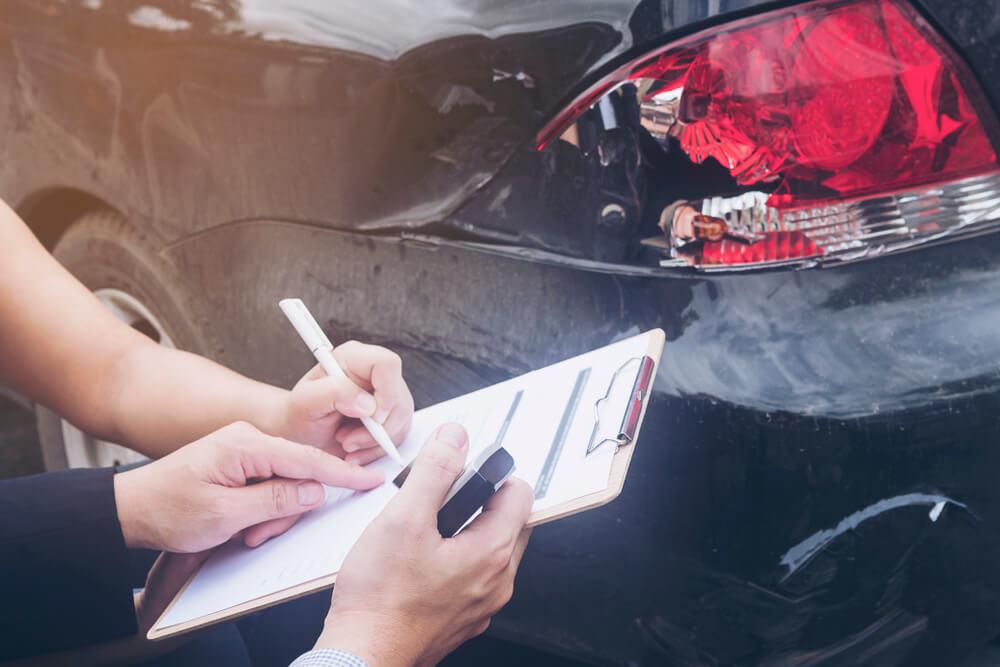 zawyżanie i zaniżanie wartości samochodu
