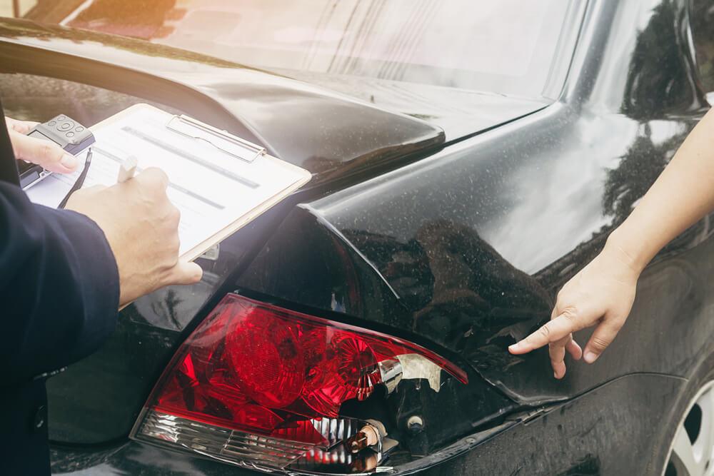 kto odpowiada za stłuczkę w czasie jazdy firmowym samochodem