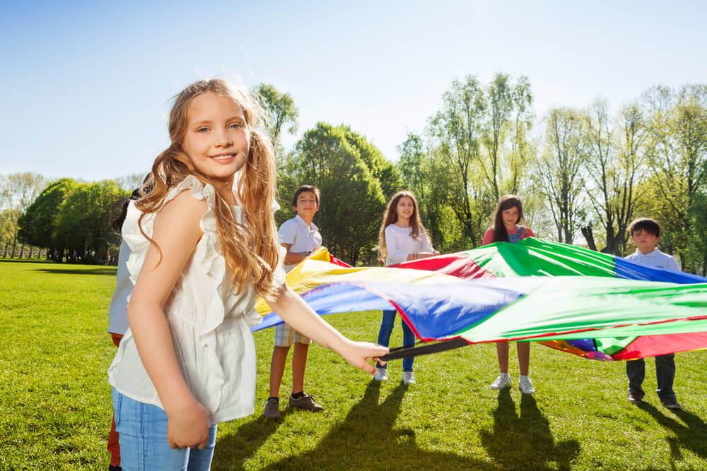 Kolonie i obozy dla dzieci. Czy warto dodatkowo ubezpieczyć dziecko?