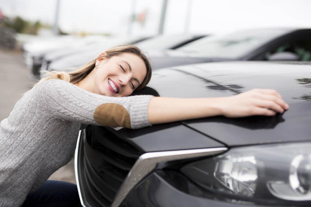 Kupowanie auta od osoby prywatnej zobowiązuje do zapłacenia podatku samochodowego