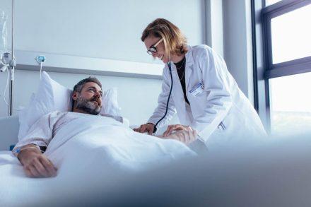 Choroba na urlopie – ile kosztuje leczenie za granicą