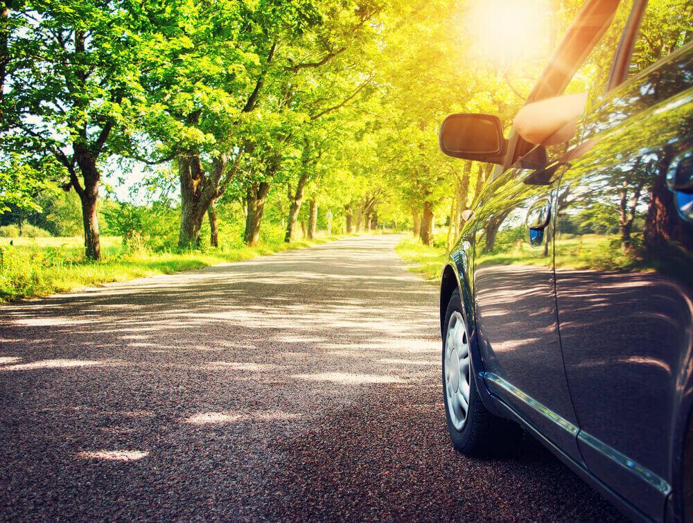 Koszt ubezpieczenia samochodu – wyjazd na majówkę