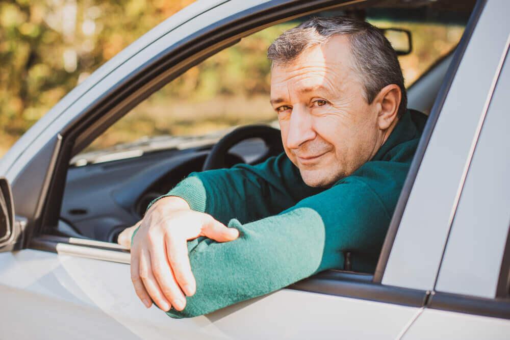 ile kosztuje oc samochodu seniora?