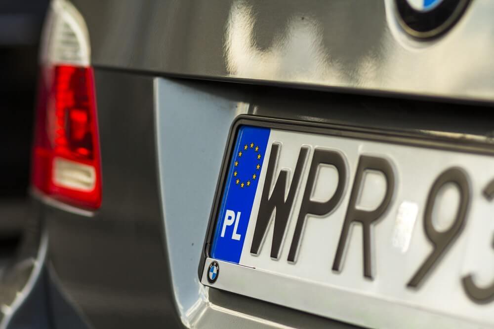 Polska rejestracja zwyczajna w aucie