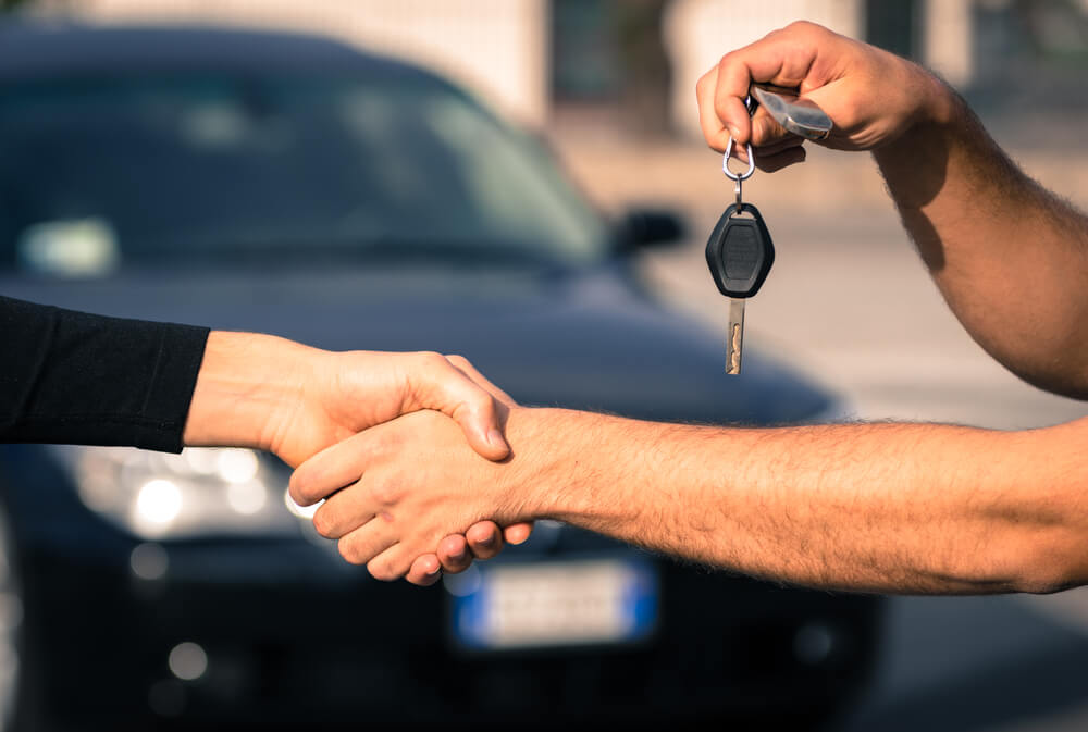 Przerejestrowanie auta – sprawdź, gdy kupujesz samochód