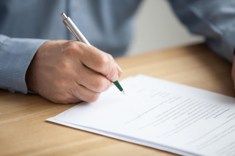 Wypełnianie formularzu rejestracji samochodu