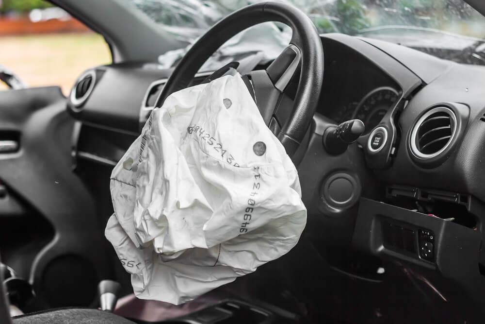 Odszkodowanie NNW komunikacyjne obejmuje wypadki spodowodwane podczas wysiadania z auta