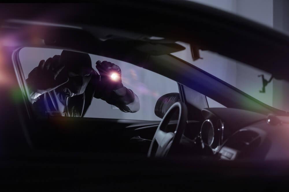 nowoczesne sposoby na kradzież samochodu