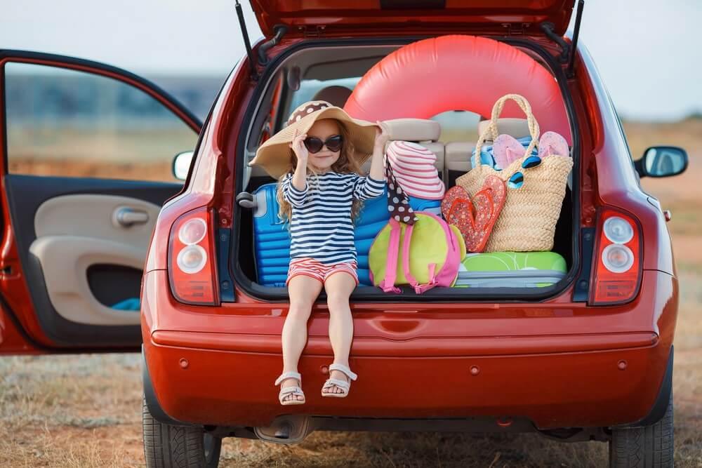 Dodatkowe ubezpieczenie samochodu na wyjazd za granicę jest korzystne, gdy podróżuje się z dziećmi