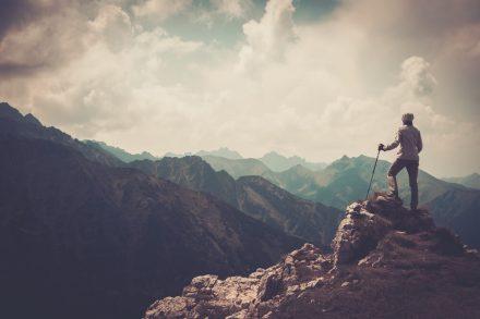 Co powinna zawierać polisa turystyczna na wyjazd w góry?