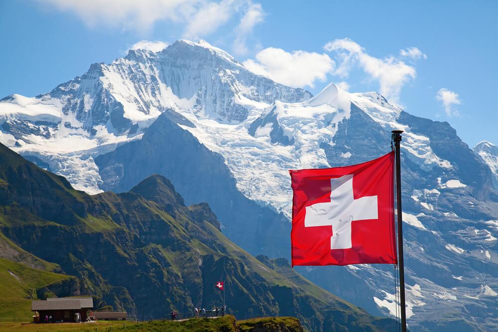 Wyjazd na narty do Szwajcarii – jakie ubezpieczenie?