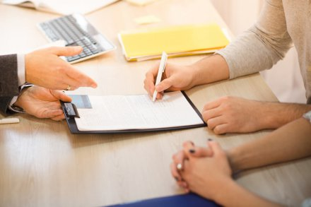 Wypowiedzenie umowy ubezpieczenia – przydatne wzory