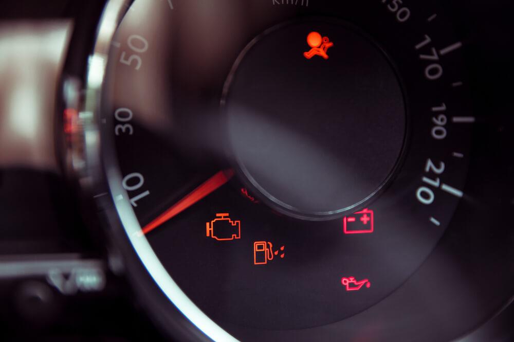 znaczenie kontrolek w samochodzie
